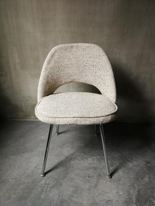 Early executive chair by Eero Saarinen for Knoll